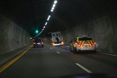 MISTET HJUL: Båthengeren mistet et hjul i Nøstvettunnelen.