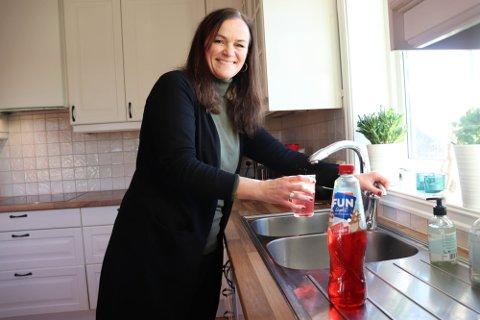 TOK HELT AV: Fun Light med julebrus-smak ble en skikkelig slager i fjor. I år er det flere som får smake, påpeker Hilde Myhre som er hjernen bak det populære produktet.