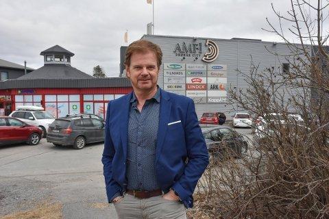 FÅR ÅPNE: Senterleder Ragnar Sørlie på Drøbak City kan ønske kundene velkommen tilbake fra torsdag.