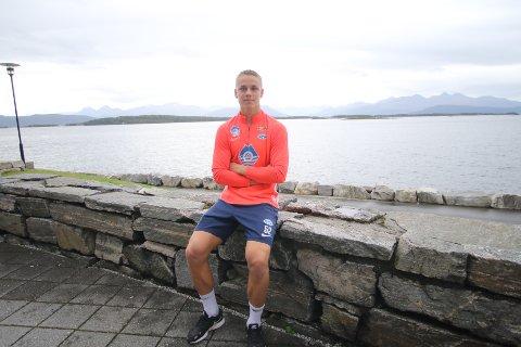 TRIVES I MOLDE: Oliver Petersen har vært i Molde i tre år nå. 19-åringen blir åpenbart satset på. Nå har han signert på en ny kontrakt, som knytter ham til Molde til 2024.