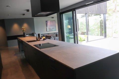 KJØKKENET: Flere av scenene i serien utspiller seg inne på kjøkkenet.
