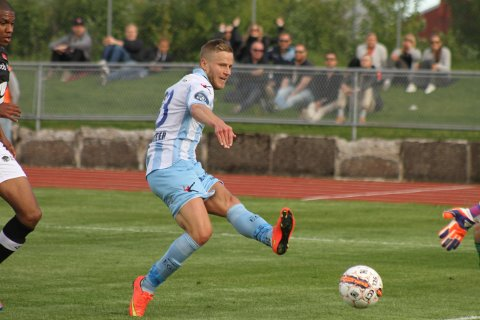 NY KLUBB: Alexander Ruud Tveter i aksjon for Follo mot Sogndal i OBOS-ligaen i 2015. Nå er han klar for eliteseriespill-.