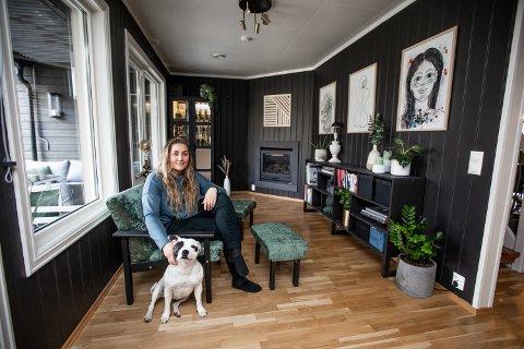 OVER GJENNOMSNITTET INTERESSERT I HUS OG INTERIØR: Silje Sofie Viken (29) forteller at hun har så mange ideer at hun og samboeren har laget en regel som sier at hun må vente minst noen uker før hun setter i gang med noe nytt.