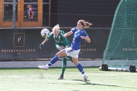 Julie Hoff Klæboe var god, både som spiss og midtstopper, i kampen mot Lyn