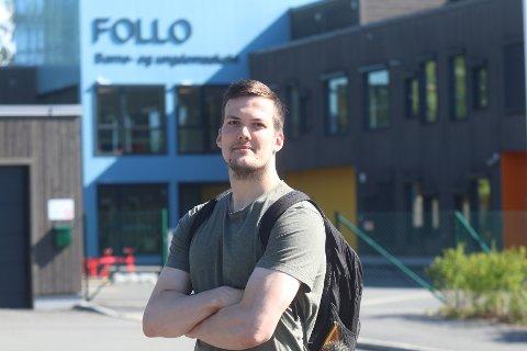 JOBB: Anders Christiansen fra Danmark spiller håndball for Follo HK. Ved siden av jobber han som lærer ved Follo barne- og ungdomsskole på Langhus.