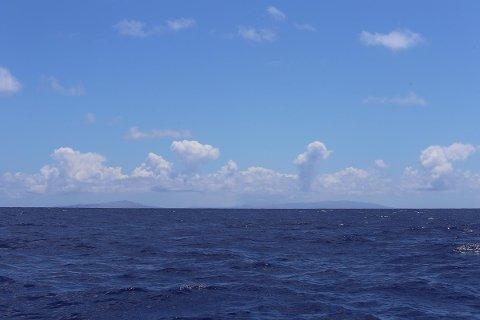 De to flåtene i Kon-Tiki2-ekspedisjonen er klare til å komme seg inn til Påskeøya og dermed er første del av ekspedisjonen over.