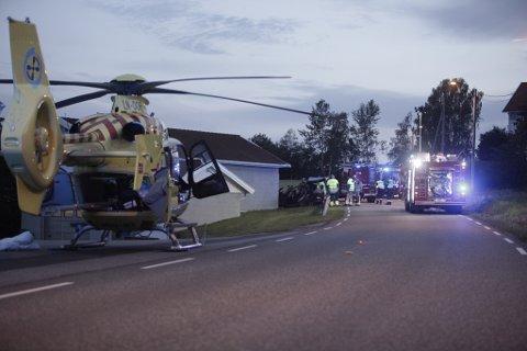 Det var stort oppbud med redningsmannskaper etter ulykken. Foto: Peder Gjersøe