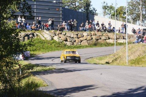 Bra besøkt: Helgens bakkeløp på Hegdal samlet mye folk langs veien i industriområdet.