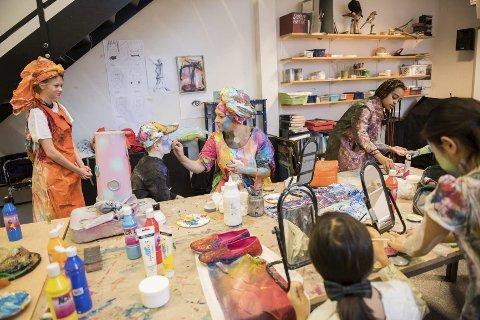 Kulturskolen: Med en hel dags kunststunt skapte visuell avdeling ved kulturskolen både mye aktivitet og spennende uttrykk.foto: Line Loholt
