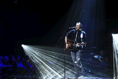Nesten: Det ble bare nesten finaleplass for Eirik Næss fra Larvik i årets Idol. Onsdag kan du høre han med en rocka trio på Mikroberyggeriet.foto: tv2