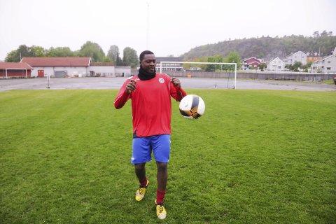For Norge: Sulayman Cham skal debutere for landslaget i gatefotball i juni under en turnering i Skottland i juni. Før den tid venter NM for Cham og Larvik.