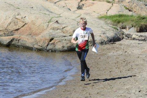 Maritim sprintorientering: Peder Torhaug-Mollerud fra Larvik OK deltok i sprintstafetten som ble arrangert på Gon i helgen. Foto: Ola Lunde