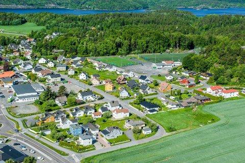 Flyfoto fra 2014 over Fagerli og Nansetbanen