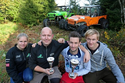 Line Marum, Ken Thomas Topel, Kim Aleksander Holt og Robin Thøgersen med pokalene etter sammenlagtresultatene i Sørlandscupen.