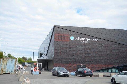 IKKE GRATIS: På grunn av situasjonen LHK har havnet i, krever nå Larvik Arena IKS forhåndsbetaling av hjemmekampene fremover.