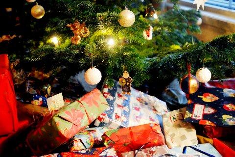GAVEFRI? Fire av ti menn kan tenke seg en jul helt uten gaver, ifølge ny undersøkelse.