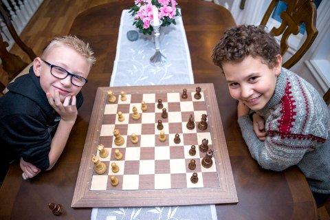 Tre år tidligere: Bjørn Magnus Bø og Jacob Ounji Nygård til sjakk-NM i 2014.