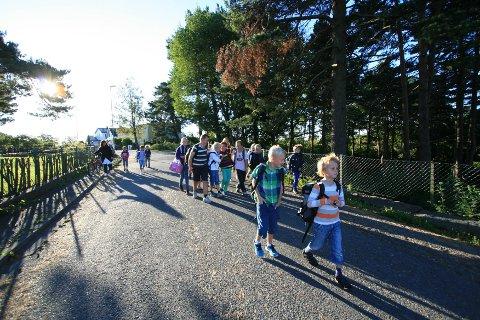 FORNØYDE: I snitt er Larviks grunnskoleelever mer fornøyd med skolen sin enn andre elever. I år er det Langestrand som scorer best blant barneskolene, og Lardal blant ungdomsskolene.