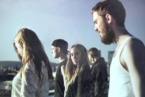 KANSELLERER: Highasakite får ikke spilt på Stavernfestivalen lørdag kveld. I stedet blir Tinie Tempah å se på Scene 1.