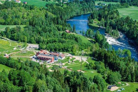 VAKKERT: Kjærra er et vakkert område ved Lågen, og ligger rett ved klatreparken Høyt og Lavt.