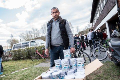 FIKK GRØNT LYS: – Alt er i orden, og det er jeg glad for, sier Mohammed Zaidan i Amanastiftelsen. Her avbildet under innsamlingsaksjonen for å få kjøpt eiendommen i 2015.