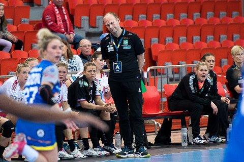STORTAP: Ingen jubeldag for Geir Oustorp og co i årets siste hjemmekamp i Arena.