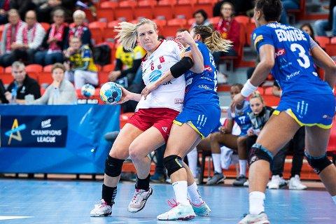 FÅR MER: Mari Molid og LHK øker mest i grasrotbidrag blant idrettslagene i Larvik. 500 tippekort hadde ved utløpet av året registrert Larvik Håndballklubb som grasrotmottaker. I beløp økte LHK over 60 prosent fra 2017 til  2018.