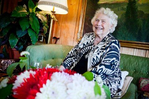 HAR GÅTT BORT: Nanna Treschow i 2012 da hun fortalte om sitt første møte med Thor Heyerdahl som nygift.