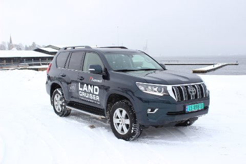 OMFATTENDE OPPGRADERING: Nytt interiør og forbedrede egenskaper på landeveien og i terrenget er de viktigste endringer på nye Land Cruiser.