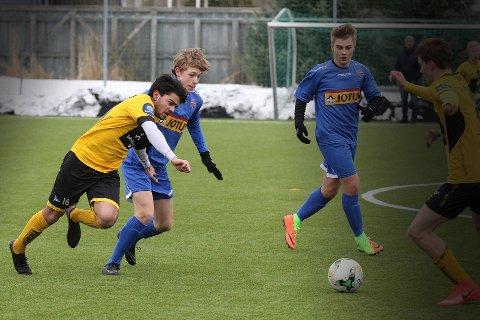 PÅ LANDSLAGET: Martin Andersen, her i aksjon for Sadnefjord Fotball, er igjen tatt ut på det norske G16-landslaget.