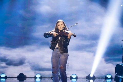 SEMIFINALE: I fjor kom både Kristine Emilie Krüger (15) fra Stavern og Victoria Hovland seg til semifinale semifinale.