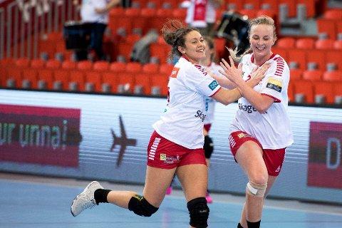 I STORSLAG: Mathilde Rivas-Toft scoret åtte og Emilie Christensen sju da LHK nedsablet Storhamar i første semifinalekamp.