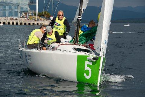 SEILER FOR LARVIK: Lars Nilssen (bakerst), Atle Dreng, Hans Gaarder Bjærke og Sverre Dreng Hop har ambisjoner om å bli blant topp fire.