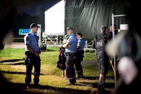 AVHØRER VITNER: Politiet sirkler seg nå inn mot gjerningsmannen, som slo og sparket en 29-åring på Gamle Stavernsvei etter Stavernfestivalen.