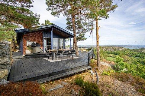 PRISØKNING: Det er hett i hyttemarked i Vestfold nå om dagen. Flere og flere nordmenn kjøper seg hytte, noe som skyter prisene opp i været.