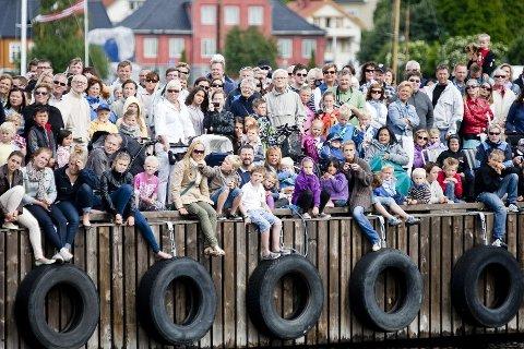 BEFOLKNING: Vi vil bli flere i Larvik i årene som kommer, men befolkningsveksten vil slett ikke bli så stor som i de andre kommunene i Vestfold. (arkivfoto/illustrasjonsfoto)