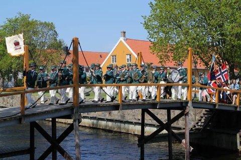 Stavern-Agnes Musikkorps  på broen 17.mai