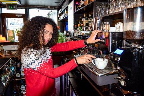 MYE: Nå jobber Tina Moradpour Hem så mye hun har lov til, og får i tillegg dobbel erfaring på CV-en.