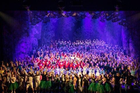 FLOTT SYN: 600 dansere sprer glede og stolthet i Bølgen denne uka.