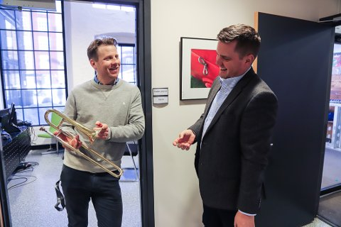 MED PÅ LAGET: Rektor ved kulturskolen, Endre Lindstøl (t.v.), synes ideen til initiativtaker Thomas Løvald var glimrende.