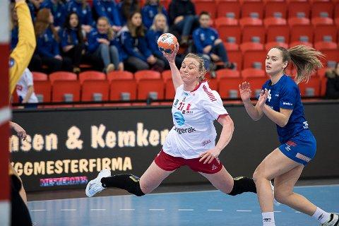 Skal gi jernet: Emilie Christensen lover at Larvik HK skal trøkke til mot Kuban Krasnodar lørdag - slik de gjorde i seriekampen mot Tertnes onsdag.