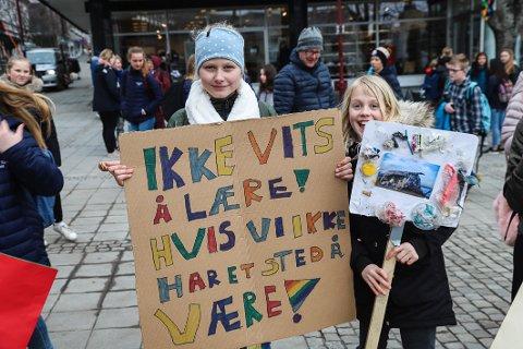SAMMEN: Jeg håper vi kan kjempe sammen med ungdommen i vår kamp for fremtiden, med eller uten selverklærte klimaekspert-kommentatorer på laget, skriver Karoline Aarvold, politisk nestleder i Vestfold og Telemark Unge Høyre