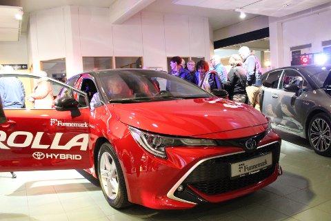 Ble tatt godt imot: Nye Corolla vekket stor interesse blant Larvik-publikummet.