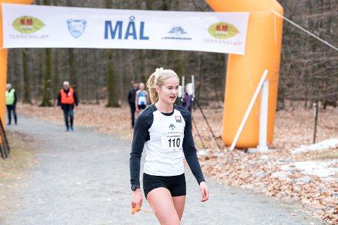 ENDELIG I GANG: Malin Edland, her etter NM i terrengløp 2019 har ikke brukt den ufrivillig konkurransefrie perioden til å ligge på latsiden.