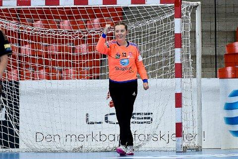 STØ I MÅL: Eliteseriedebutant Hanna Sporsheim sto godt i mål mot Vipers.