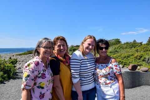 SAMMEN: Grunneier Grethe Oppedal, har sammen me Anita B. Hovd og Torill Aagot Halvorsen, og med hjelp av Kari Oppedal skissert noe som kan løfte opplevelsen av Mølen og historien i distriktet.