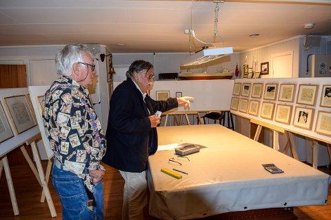 SPENTE: Ulf Kittelsen og Stig Hatlo ved Sjømannsforeningen er spentye på mottakelsen når de viser en utstilling med Thor Heyerdahls tegninger.