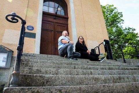 PRØVER NOE NYTT: Britt Mari O. Zakariassen og Knut Zakariassen fikk ideen på kurs og tenkte umiddelbart at de ville prøve det i Larvik.