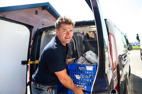 BEDRE: Kjøpmann Dag Arild Bakken på Søndersrød vil ha det best mulige tilbudet til sine kunder.