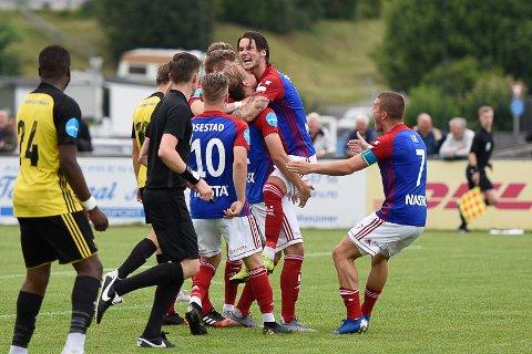 KUNNE JUBLE: Fram vant til slutt 3-0 mot Bærum.